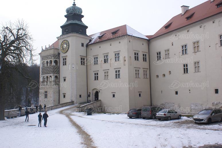 Zamek-na-Pieskowej-Skale-04-Danka