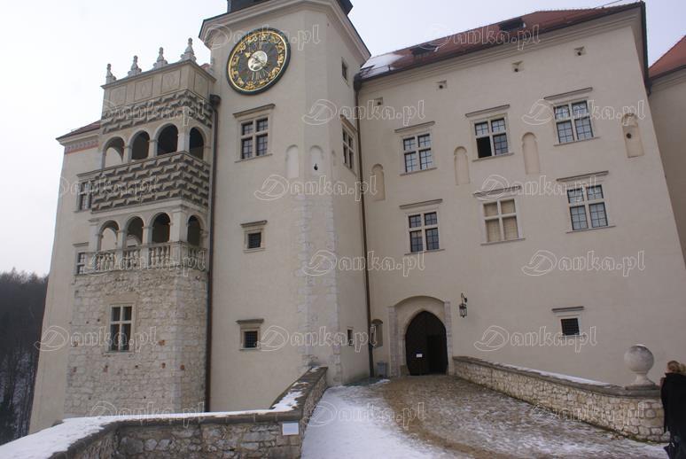 Zamek-na-Pieskowej-Skale-06-Danka