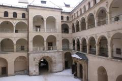 Zamek-na-Pieskowej-Skale-09-Danka